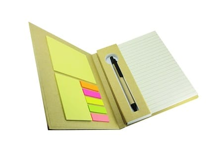 Cuaderno ecologico con lapiz y post it